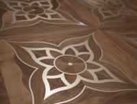 Berti Parquet Artistici: Intarsio Mod Verlato Noce intarsiato acciaio - Berti Pavimenti Legno