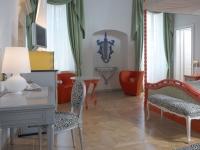 Berti Wood Flooring References: Inlaid Parquet Byblos Art Hotel - Custom decorative parquetry