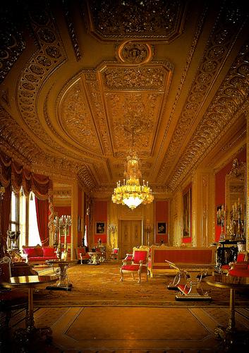 Crimson Drawing Room: il parquet intarsiato ripristinato da Berti
