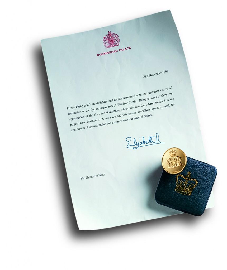 Lettera Ringraziamento Elisabetta II per parquet intarsiato su Crimson Drawing Room