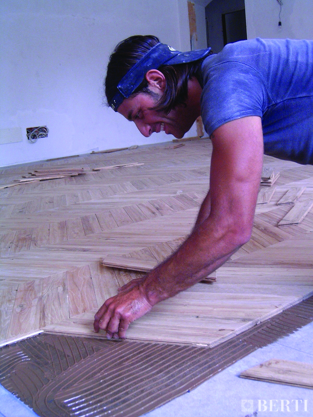 Berti pavimenti legno - posa incollata parquet