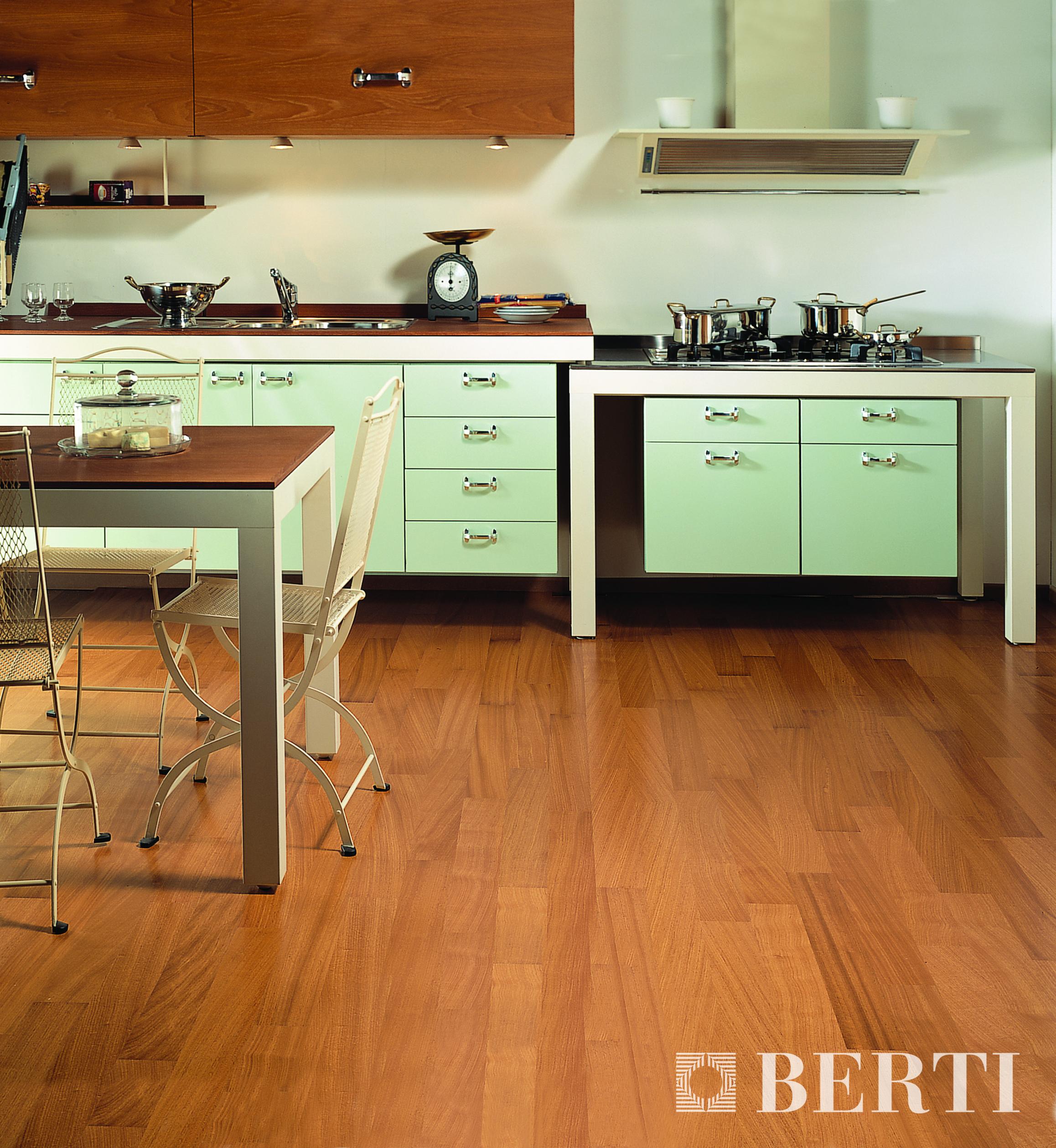 Berti parquet prefinito multistrato in cucina